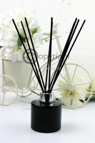 black-reed-diffuser