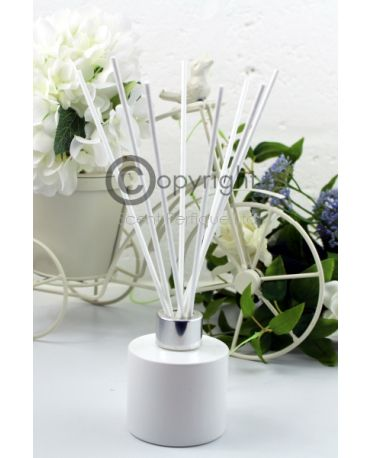 white-reed-diffuser